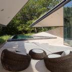 kuca sa zelenim krovom - mesto za odmor